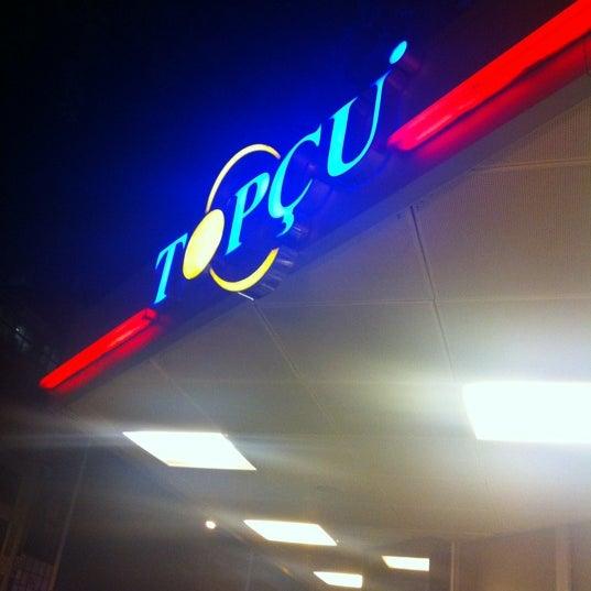 Foto diambil di Topçu Restaurant oleh Mustafa Emin G. pada 5/17/2012