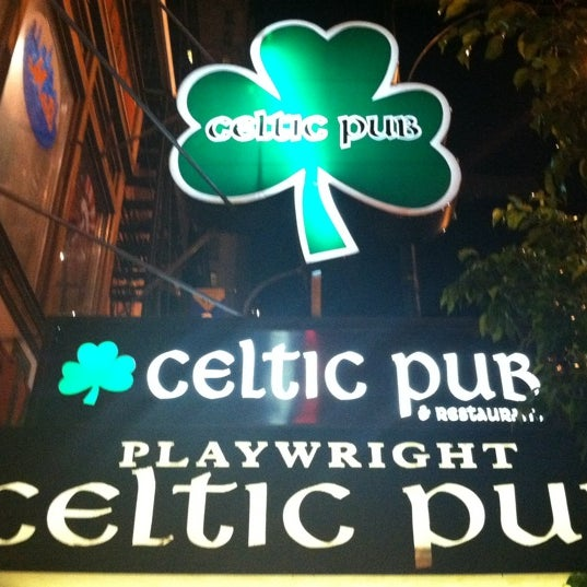Foto tomada en Playwright Celtic Pub por Rob B. el 7/17/2011
