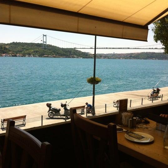 Foto tomada en Taş Kahve Cafe & Restaurant por Necdet ş. el 6/29/2012