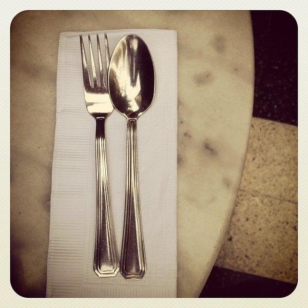 Foto scattata a Museo Evita Restaurant & Bar da Kika P. il 5/31/2012