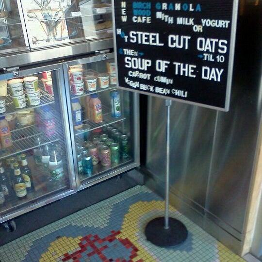 3/26/2011에 Brenda A.님이 Peace Coffee Shop에서 찍은 사진
