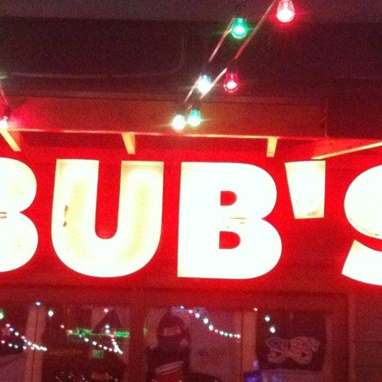 รูปภาพถ่ายที่ Bub's at the Ballpark โดย Elaine S. เมื่อ 5/3/2012