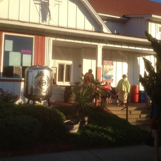 5/21/2012에 Robert C.님이 Outer Banks Brewing Station에서 찍은 사진