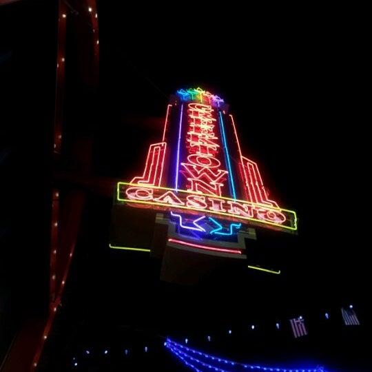 Foto scattata a Greektown Casino-Hotel da Tracy B. il 12/3/2011