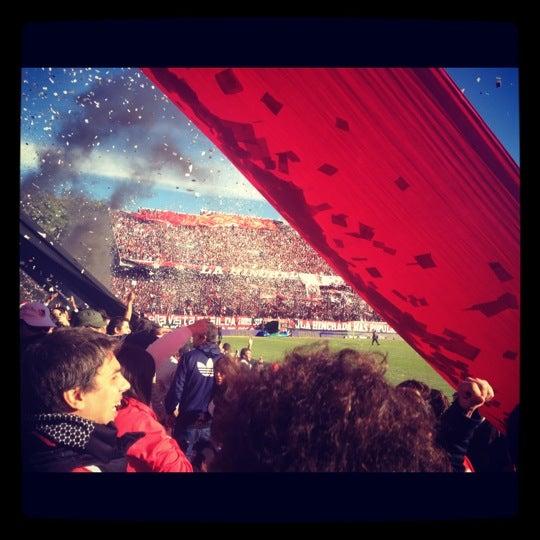 5/12/2012 tarihinde Gonzalo S.ziyaretçi tarafından Estadio Marcelo Bielsa (Club Atlético Newell's Old Boys)'de çekilen fotoğraf