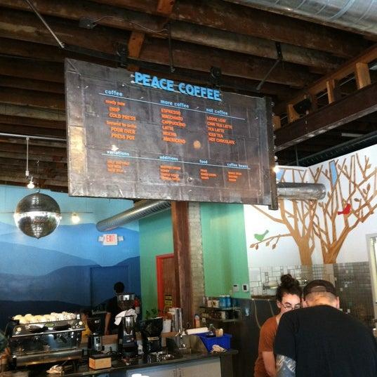 7/25/2012에 Christopher T.님이 Peace Coffee Shop에서 찍은 사진