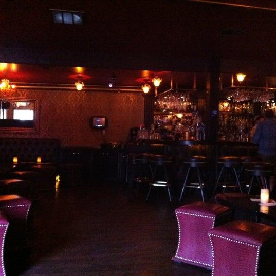 Foto tomada en Seventy7 Lounge por Malibu C. el 7/23/2012