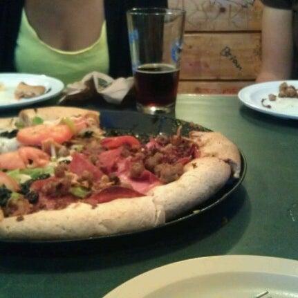 8/23/2012にMargaret T.がWoodstock's Pizzaで撮った写真