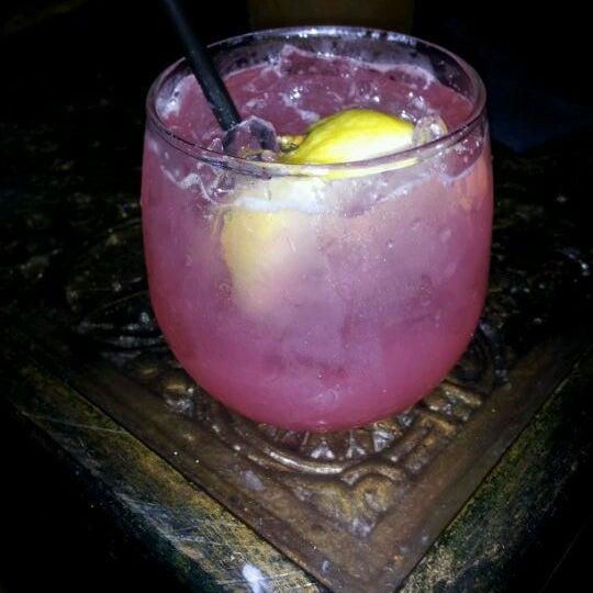 6/7/2012에 Kelly R.님이 Salvage Bar & Lounge에서 찍은 사진