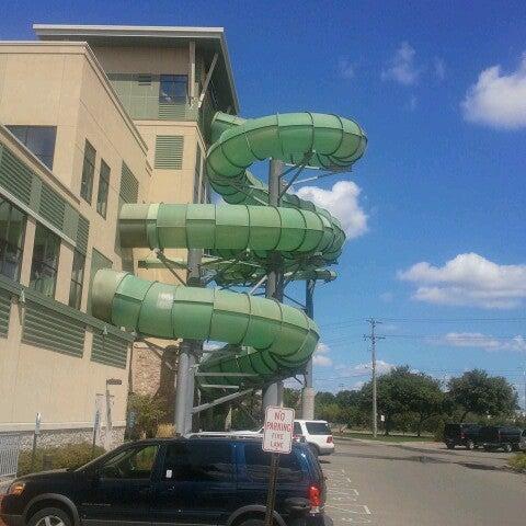 Foto tirada no(a) Water Park Of America por Mark W. em 8/19/2012