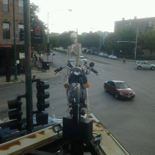 Снимок сделан в Twisted Spoke пользователем Hailie L. 8/20/2012