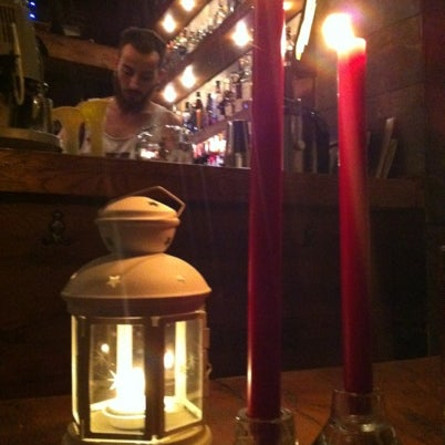8/1/2012 tarihinde Tuğçe G.ziyaretçi tarafından Mica Restaurant & Bar'de çekilen fotoğraf