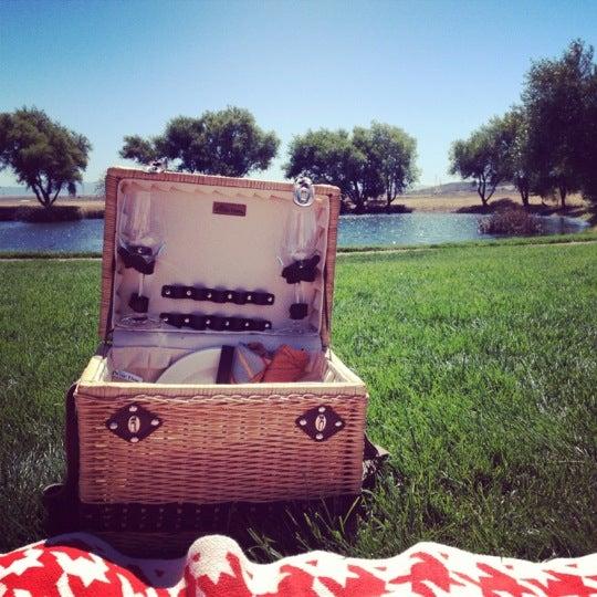 รูปภาพถ่ายที่ Ram's Gate Winery โดย Megan B. เมื่อ 8/19/2012