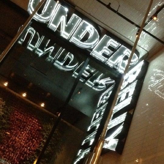 Photo prise au UnderBelly par Rose B. le6/4/2012