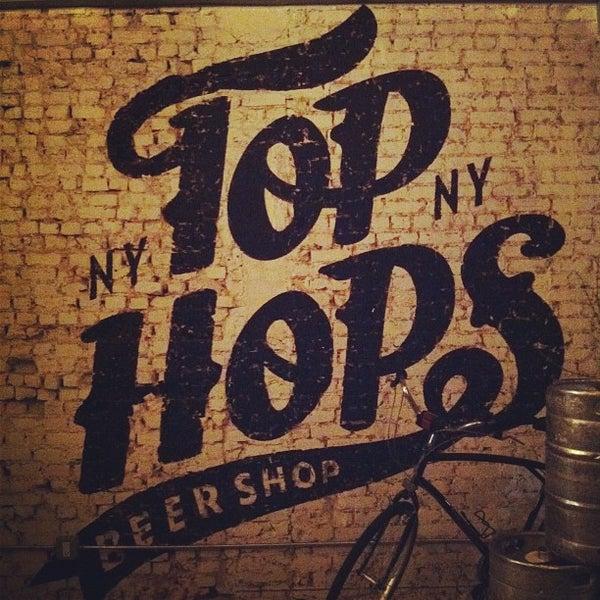 Foto scattata a Top Hops da Sunny il 3/2/2012