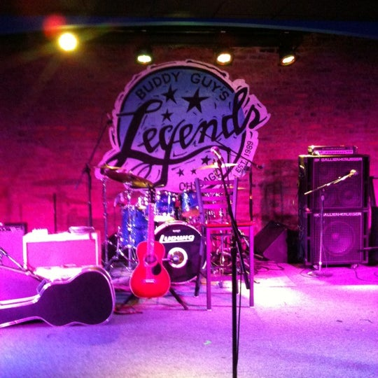 Foto tirada no(a) Buddy Guy's Legends por Steve T. em 5/3/2012