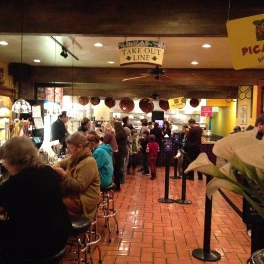 Foto diambil di Picante oleh Logan A. pada 2/17/2012