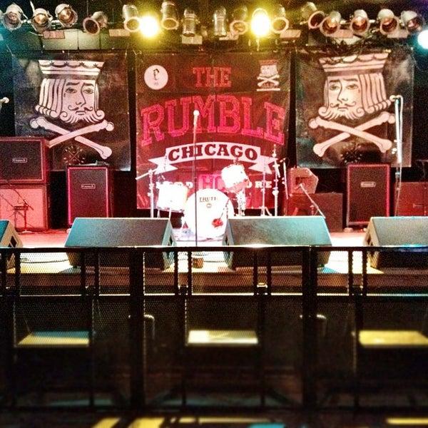 Photo prise au Bottom Lounge par Steve T. le4/28/2012