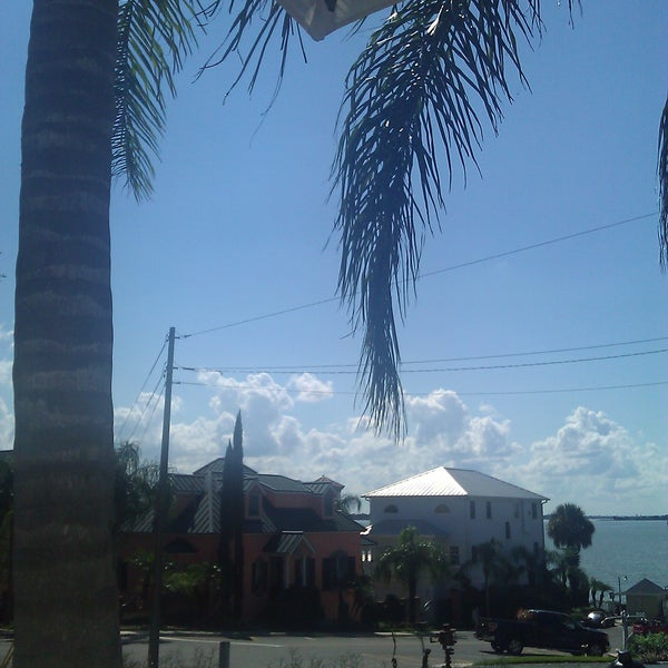 Foto tomada en Pisces Rising por Melanie M. el 9/28/2011