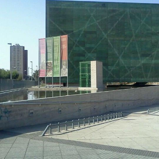 Foto diambil di Museo de la Memoria y los Derechos Humanos oleh tiare M. pada 1/7/2012