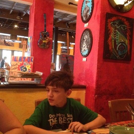 Foto diambil di Café Tu Tu Tango oleh Ron G. pada 7/9/2012