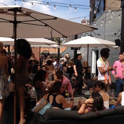 Das Foto wurde bei STK Rooftop von Daniel K. am 8/5/2012 aufgenommen