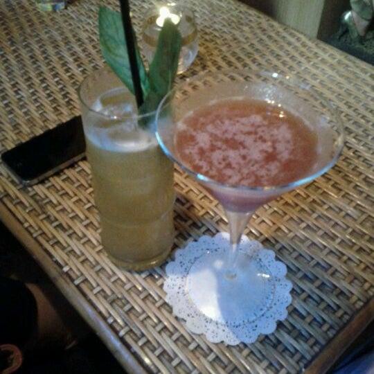 Foto scattata a Grandma's Bar da Jessica il 10/20/2011