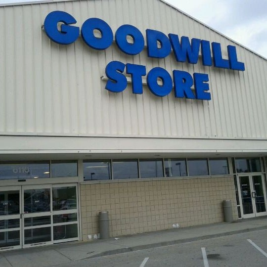goodwill store thrift vintage store in indianapolis. Black Bedroom Furniture Sets. Home Design Ideas