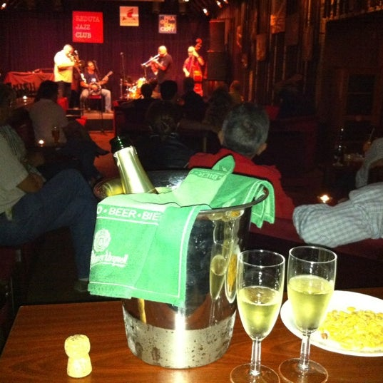 Foto tomada en Reduta Jazz Club por Alex E. el 9/10/2011