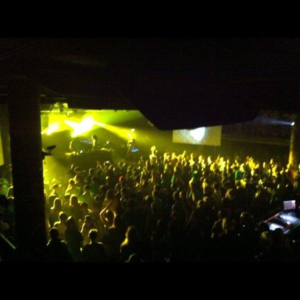 Das Foto wurde bei Cervantes' Masterpiece Ballroom & Cervantes' Other Side von Dj Mere 1. am 3/18/2012 aufgenommen