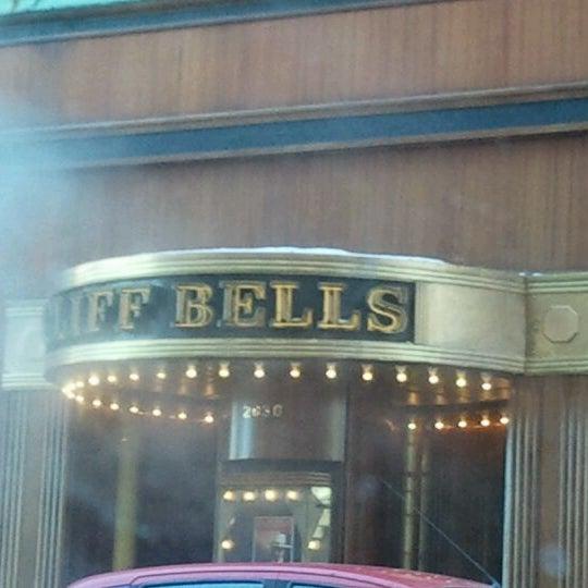 Photo prise au Cliff Bell's par Bright Lights le2/12/2012