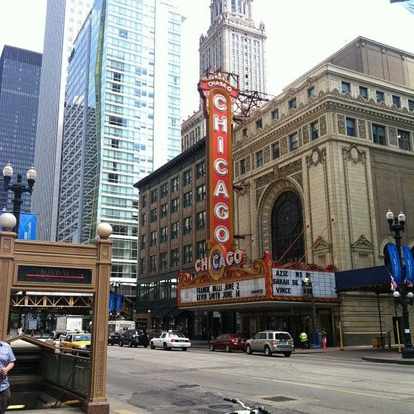 5/25/2012에 Alex P.님이 The Chicago Theatre에서 찍은 사진
