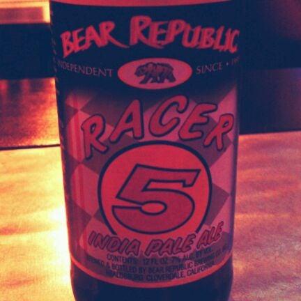 Photo prise au Buddha Beer Bar par D le3/31/2012