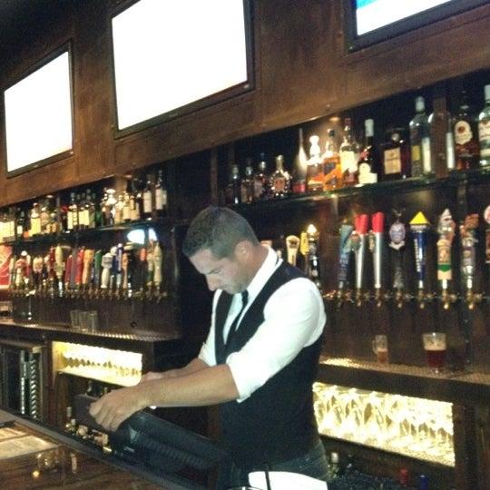Foto scattata a SmithHouse - BBQ, Burgers, Brews da Wesley H. il 11/29/2011