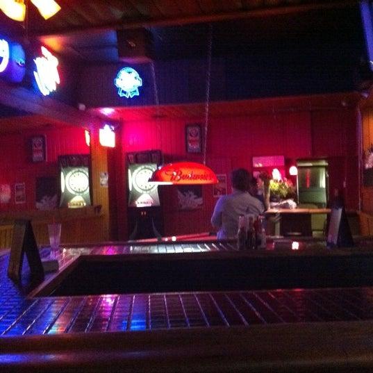 Foto tirada no(a) Redwing Bar & Grill por Conrad & Jenn R. em 9/23/2011