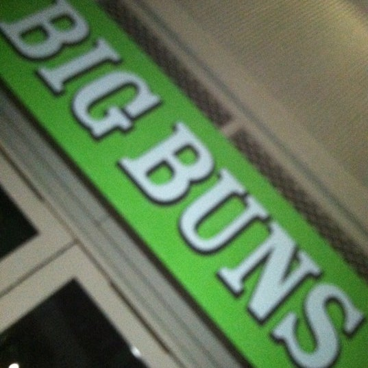 Foto diambil di Big Buns oleh Red B. pada 4/21/2012