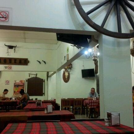 Foto tomada en OV Vaquero Restaurante y Taquería por Smoke I. el 11/10/2011
