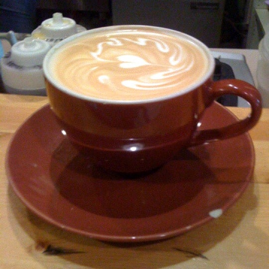 Foto tomada en Ipsento Coffee House por Jeremiah T. el 1/19/2011
