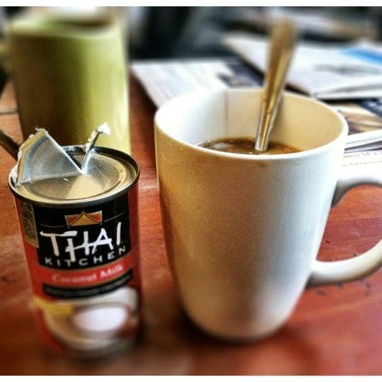 Снимок сделан в Sentient Bean пользователем dan f. 2/12/2012
