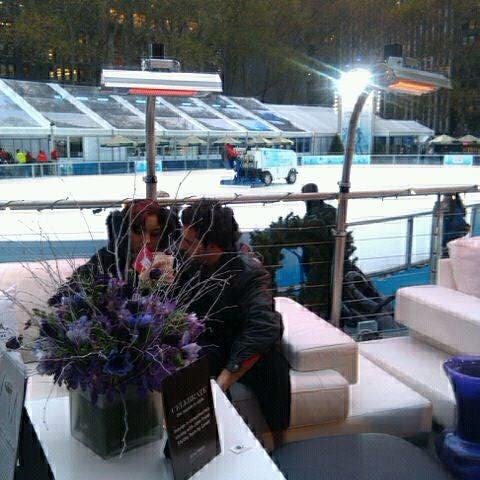 Foto tomada en Celsius at Bryant Park por Katariina el 12/1/2011