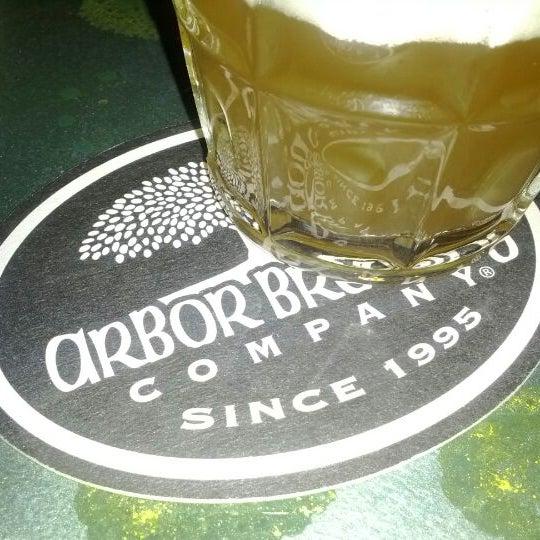 Foto tomada en Arbor Brewing Company por Daniel K. el 4/22/2012