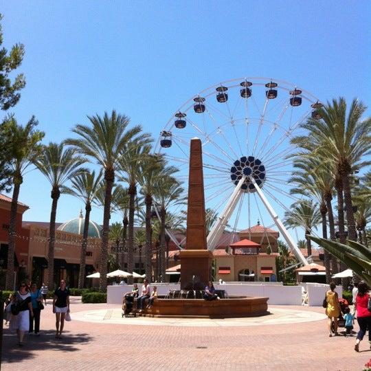 Снимок сделан в Irvine Spectrum Center пользователем Mark F. 7/27/2012