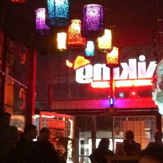 Das Foto wurde bei Viking - Arte Café Punto Zero von Moe M. am 7/27/2012 aufgenommen