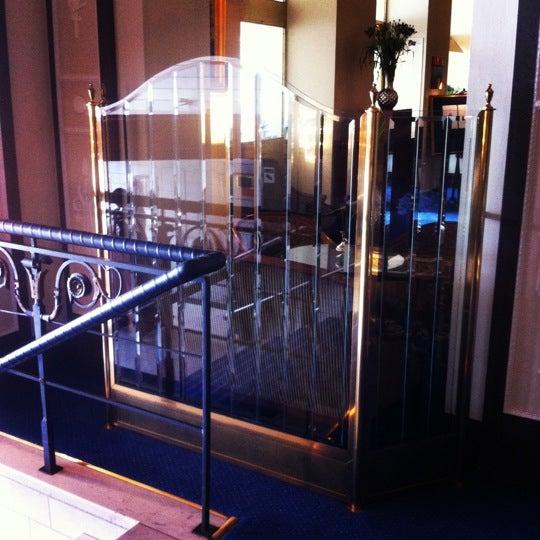 Foto tirada no(a) Grand Hôtel Stockholm por Bulad S. em 7/22/2012