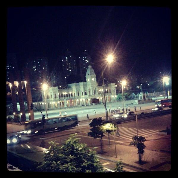 Das Foto wurde bei CentoeQuatro von Caio A. am 4/26/2012 aufgenommen
