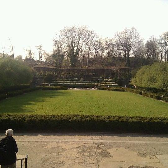 Foto scattata a Conservatory Garden da Brian L. il 3/22/2012