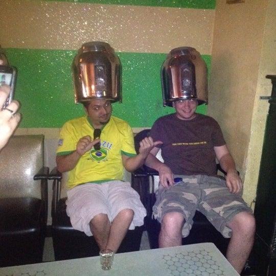 Foto diambil di Beauty Bar oleh Robert D. pada 8/18/2012