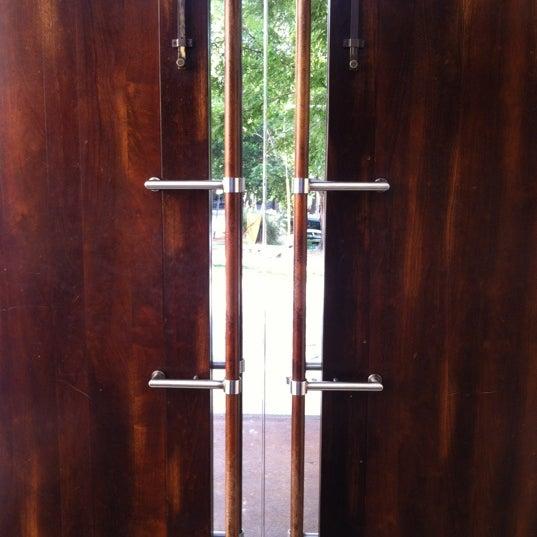 รูปภาพถ่ายที่ Ecco Midtown โดย Joe S. เมื่อ 5/23/2012