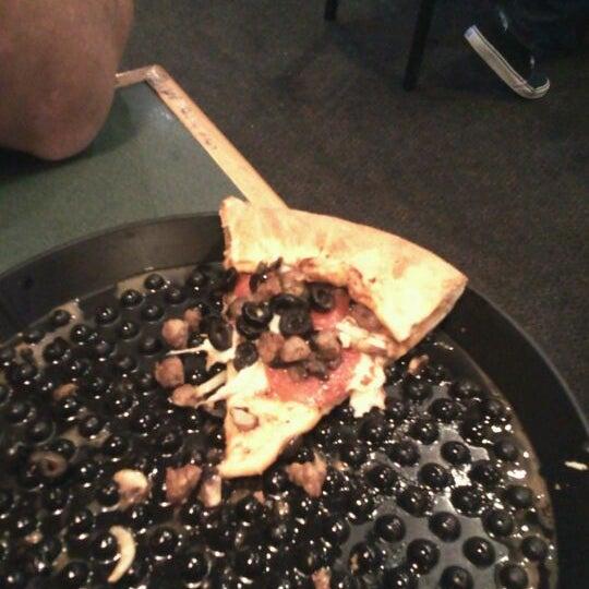 4/21/2012にConnie B.がWoodstock's Pizzaで撮った写真