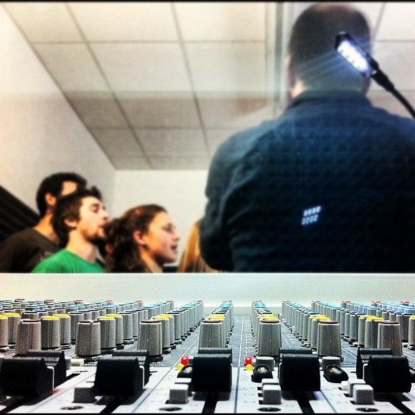 Foto tirada no(a) Double Dominant | Production Studio por Maurizio B. em 2/16/2012